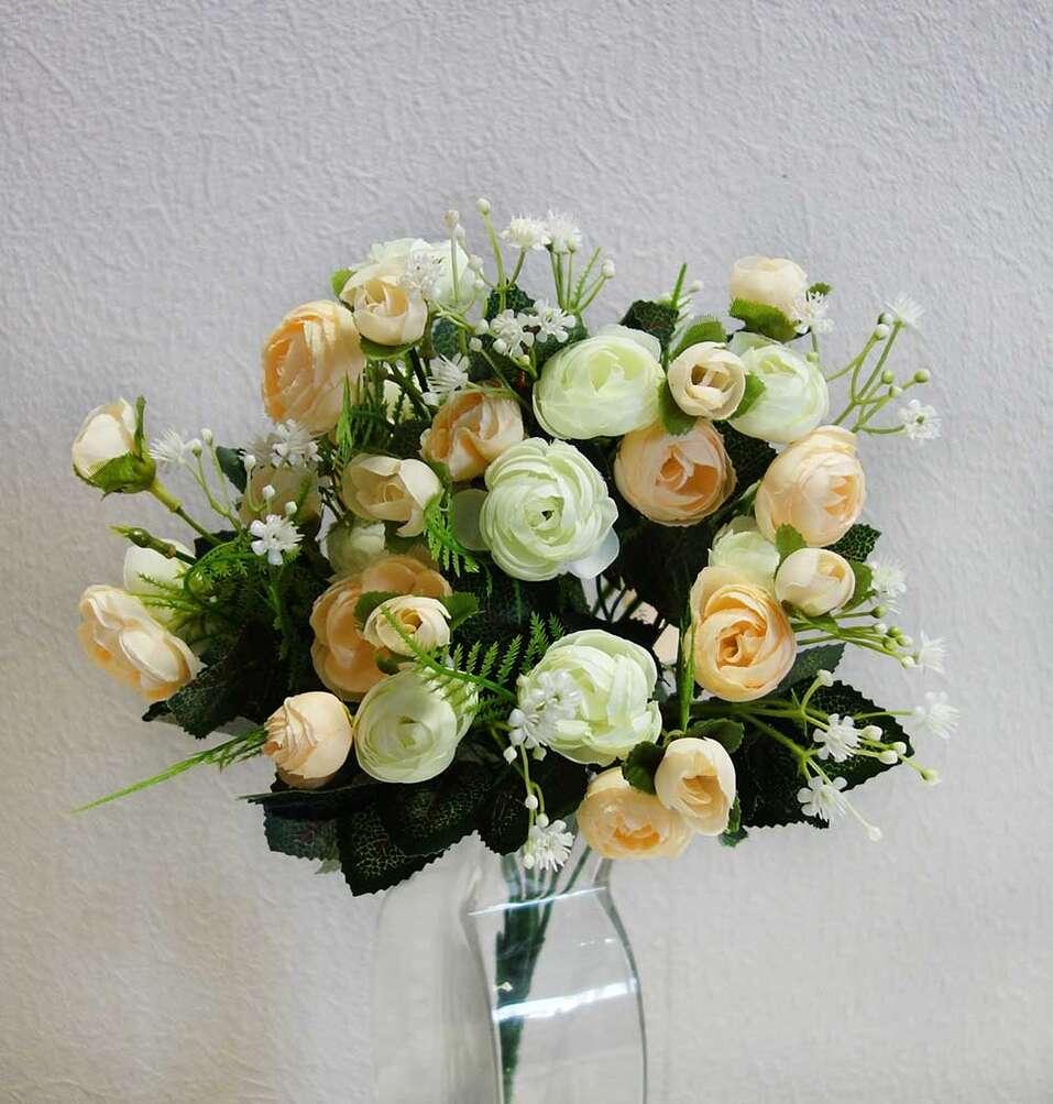 Букет из искусственных роз
